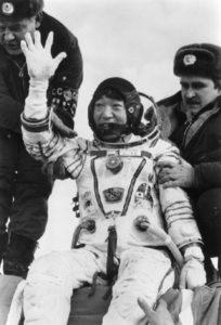 日本人初の宇宙飛行士秋山豊寛TBS記者