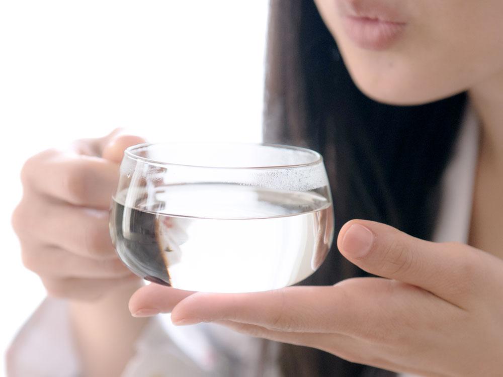 宿便を出すためには白湯を飲むのが効果的