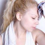 顔汗が止まらない女子高生の悩み