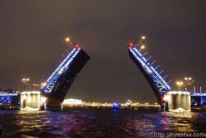 白夜の跳ね橋