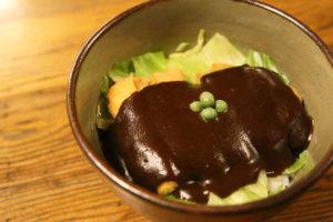 岡山名物デミカツ丼
