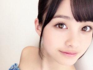 瞳のきれいな女性