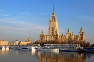 モスクワ川でクルージング